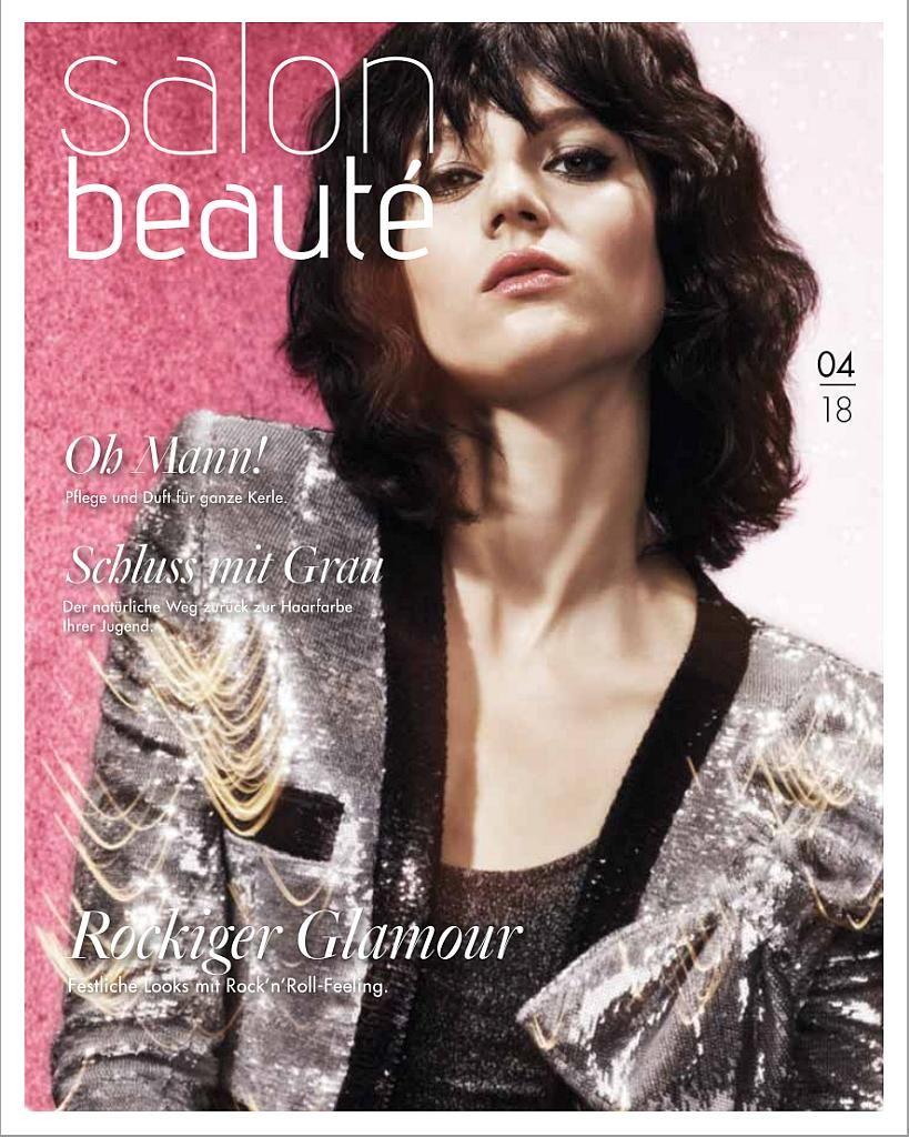 Titelseite des Magazins Ausgabe 4/2018. Eine Frau mit dunklen gelockten schulterlangen Haaren schaut herab.