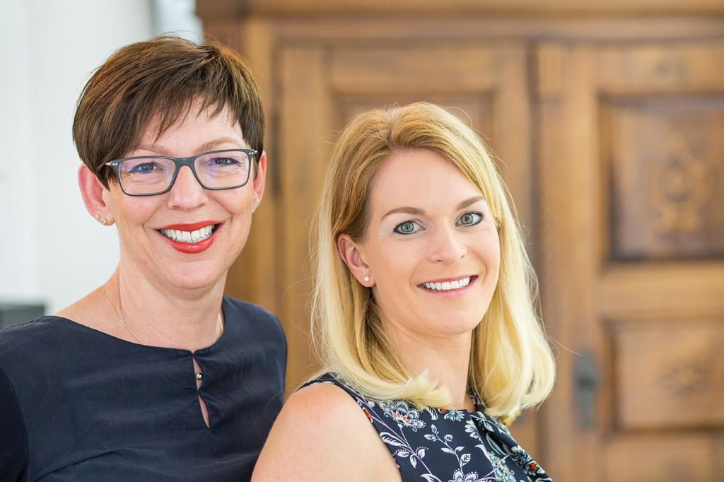 Karin Bolz und Julia Bachem im Portrait